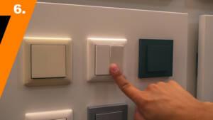 Wenn das Wippenpaar montiert ist, ist die Umwandlung zum Hue Tap Lichtschalter perfekt.