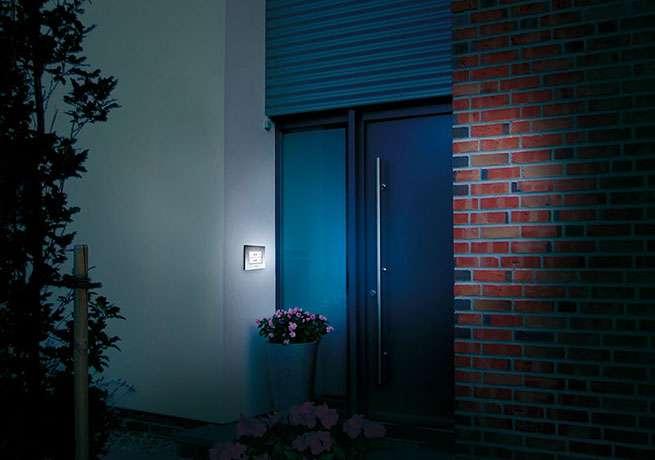 m e kte 1 aufputz klingeltaster mit led beleuchtung 1. Black Bedroom Furniture Sets. Home Design Ideas