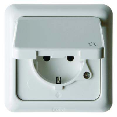 berker 471809 schuko steckdose mit klappdeckel und rahmen. Black Bedroom Furniture Sets. Home Design Ideas