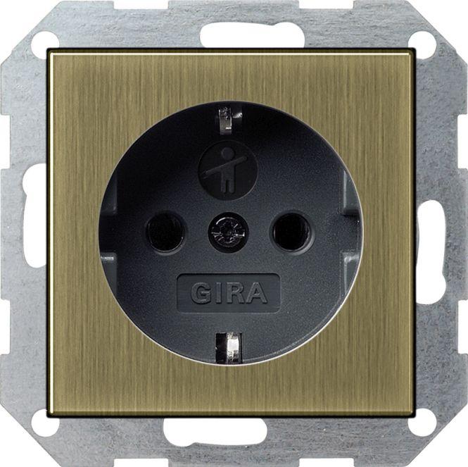 gira 0183603 schuko steckdose mit kinderschutz bronze. Black Bedroom Furniture Sets. Home Design Ideas